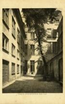 Pocztowka Podworze Domu Uphagena, ok. 1911 r.